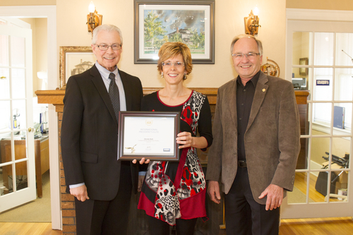 Glenda Strauss International Presidents Elite Award Camrose
